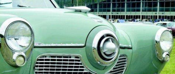 Front Green 1951 Studebaker Bullet Nose Grill Picture