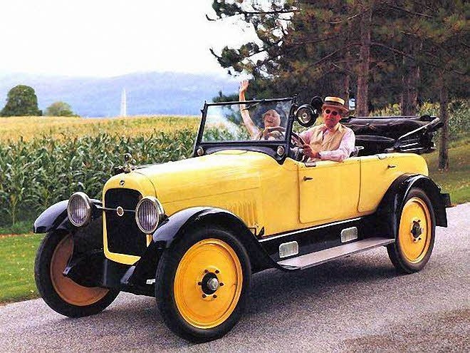 Front Left Yellow 1922 Studebaker Special Six Roadster Car Picture