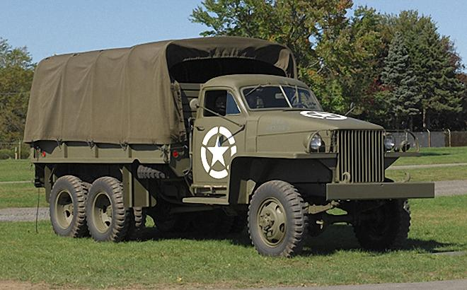 Front Right 1945 Studebaker US6 Truck Picture