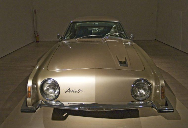 1962 Studebaker Avanti Car Picture